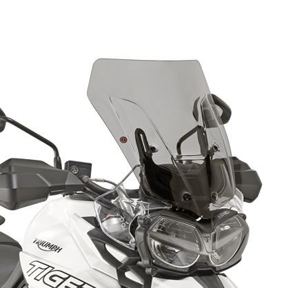 GIVI Windscreen for Triumph Tiger 800 18- smoked, low profile sport screen, dim. HxW 47 x 41 cm, 2 cm higher than oe, fits oe headlight fairing