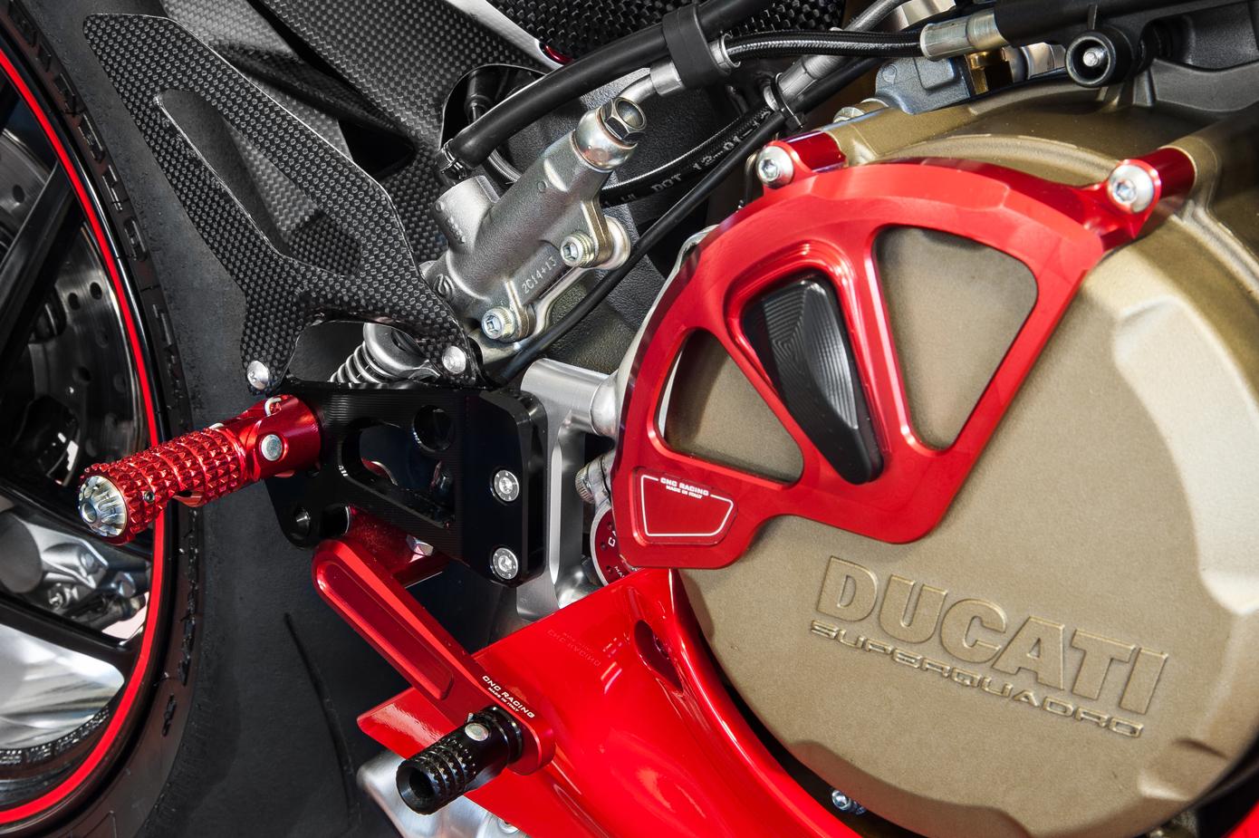 cnc racing adjustable rear sets ducati 899 959 1199 1299. Black Bedroom Furniture Sets. Home Design Ideas