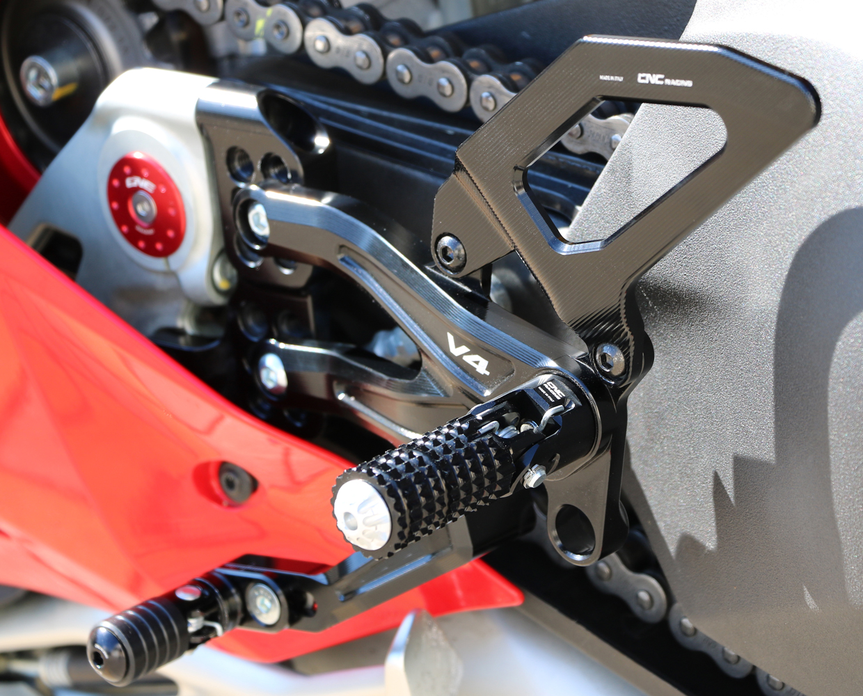CNC Racing RPS Adjustable Rear Sets Ducati Panigale V4, for reverse and  normal shifting